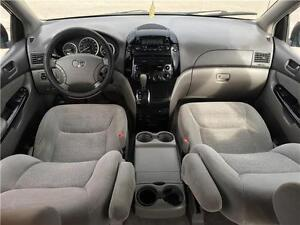 2005 Toyota Sienna! New Brakes! New Timing Belt! Rust Proofed! London Ontario image 8