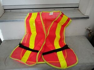 Like new safety vest size XL London Ontario image 1