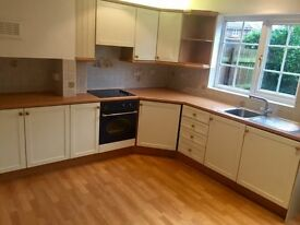 SHORT TERM LET 3-6 M // 3 Bedroom House-Knowle High St, 10 mins NEC B'HAM AIRPORT, TRAIN-LONDON/BHAM