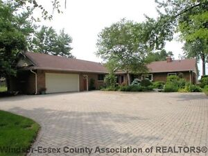 LAKESHORE RANCH WITH 80' FRONTAGE ON LAKE ST. CLAIR