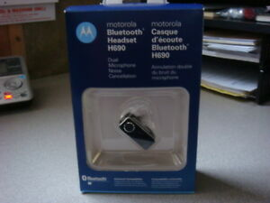 Motorola H 690 Bluetooth Headset - AS NEW CONDITION - REDUCED!