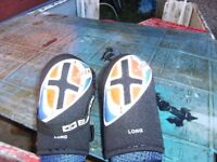 Easton elbow guards in very good,little used condition.