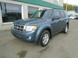 Ford Escape 2011 XLT 4CLY, Manuelle......Seulement 124000KM!!!!