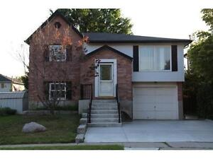 GORGEOUS BUNGALOW - 3 BDRMS,5 APPS,HARDWOOD,DECK+PATIO-CAMBRIDGE