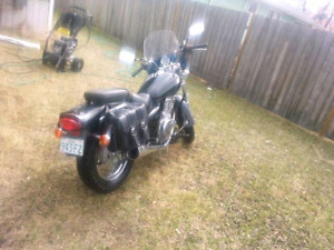 06' Suzuki Marauder, low kms, great on fuel, cheap insurance