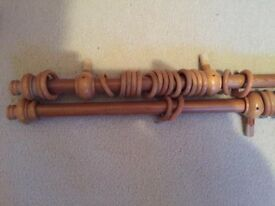 Curtain wooden poles 20mm diameter with rings and finials 155cm