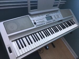 PIANO KEYBOARD excellente condition