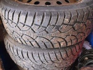 4) 195/65/15 Studded tires