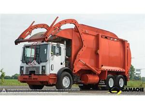 2007 MACK MR688S FRONT LOADER À VENDRE / TRUCK FOR SALE