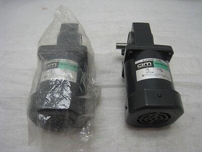 2 Oriental Motors 5IK60AF-50RA, Induction Motors 100V, 1.4A, 15uf