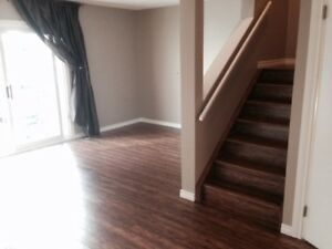 Beautifully renovated, pet friendly townhouse in Sherwood Park!