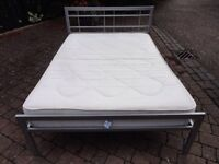 Double bed including mattrress can deliver