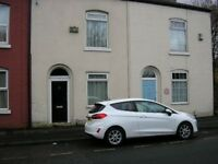 2 BED HOUSE TO LET VERNON PARK AREA STOCKPORT. recent full refurb inc new kit/ bathroom, d/glaz,c/h