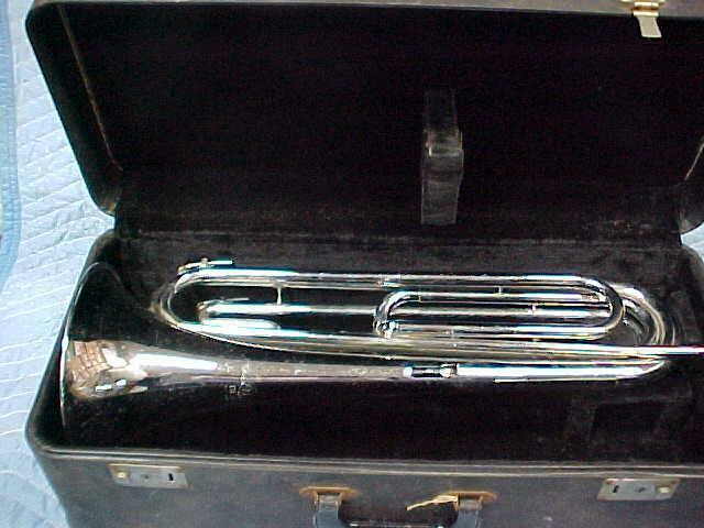 Vintage Ludwig Classic Drum & Bugle Corps French Horn  Bugle, Excellent!