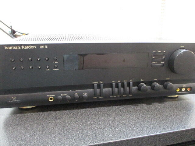 Harmon Kardon AM/FM Stereo Receiver w/Surround and Bundle Remote  #AVR 20