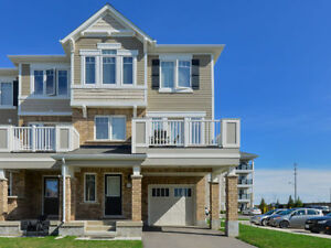 OUTSTANDING END UNIT  FREEHOLD TOWNHOUSE IN MILTON