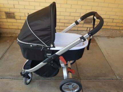 Valco Rebel Q Ex Pram/Stroller and Bassinet