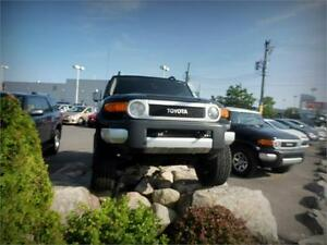 2010 Toyota FJ Cruiser Comme neuf A/C Prise courant 400w (115V)