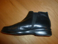 Black Leather Flat Boots size 61/2
