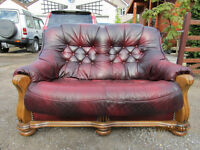 2 Seater Sofa Very nice condition Burgendy with wood frame