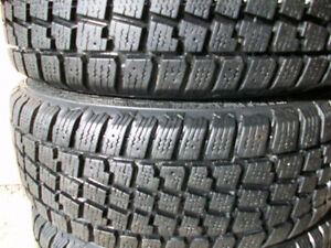 255 70 17 Avalanche X-Treme Winter Tires –Like New!