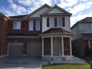 ..Bright 4 Bed, 3 Bath Home – Freshly Renovated North Ajax