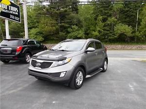 2011 KIA SPORTAGE AWD...LOADED!! HEATED FRONT SEATS & BLUETOOTH!