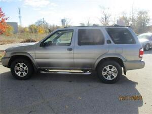 2000 NISSAN PATHFINDER WITH EXTRA SET OF NEW WINTER TIRES/RIMS