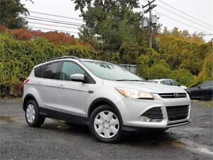FORD ESCAPE SE 2014/4X4/4CYL/AC/CRUISE//CAMERA/BLUETOOTH/ELECT!