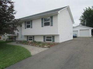 35 ROCKMAPLE DR - MONCTON NORTH! 24X26 DREAM GARAGE!
