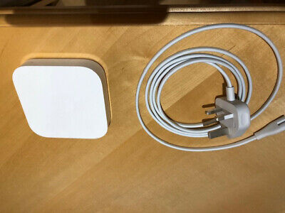 Apple AirPort Express 2 Port Wireless Router (MC414ZP/A) Very Good condition