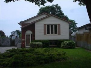 Rooms to rent near UOIT **8 month lease**