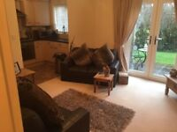 Ensuite double room available (outskirts of Leamington) ideal for professional female