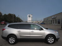 8 PASSENGER !! IMMACULATE !! 2010CHEVY TRAVERSE LS London Ontario Preview