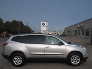 8 PASSENGER !! IMMACULATE !! 2010CHEVY TRAVERSE LS