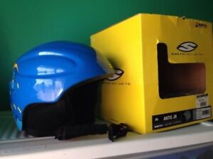 Smith kid's snow sports helmet
