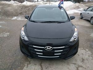 2016 Hyundai Elantra GT (5) GL heated Seats Blue Tooth