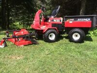 Tracteur Dompeuse/ dump tractor + Can-Am Snow Plow