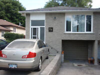 3 bedroom upper unit of raised bungalow in Barrie North End Watc