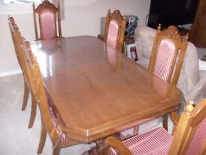 ***MUST SEE*** 7pc SOLID OAK Dining Table including 6 Chairs