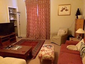 Spacious 2 Bed Flat with main door entrance and garden, New Town