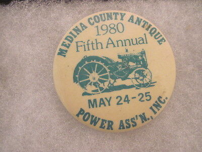 2 OLD VINTAGE 1980 POWER ASS'N TRACTOR PINS PINBACKS COLLECTIBLE