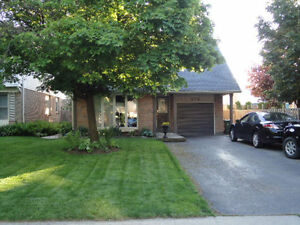 House for Rent - 3 Bedroom, Ancaster