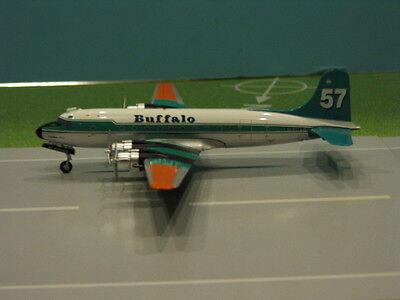HOBBY MASTER BUFFALO AIRWAYS DC-4 1:200 SCALE