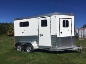 2016 4-Star 2-Horse Bumper Pull Runabout 7'6 High