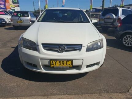 2008 Holden Berlina VE MY08 White 4 Speed Automatic Sedan Cardiff Lake Macquarie Area Preview