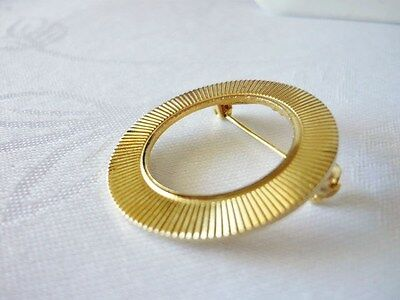 Vintage Goldtone Lined Circle Brooch on Rummage