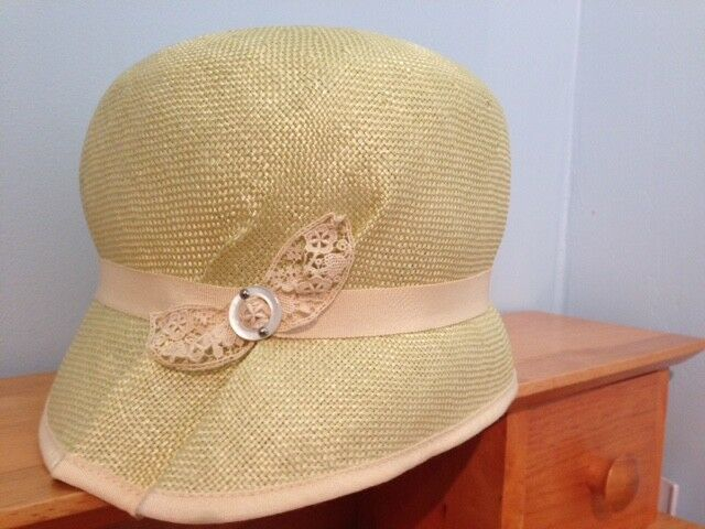 5acb60ff38d8e1 -Pale green Louise Green cloche sisal straw hat | Wedding | City of Toronto  | Kijiji