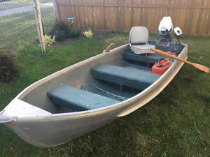 14 foot fishing boat - Chaloupe 14 pieds