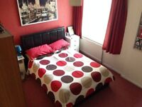 Mon to Fri only, double room, study and bathroom (not shared) to rent. 5 minutes from Town Centre